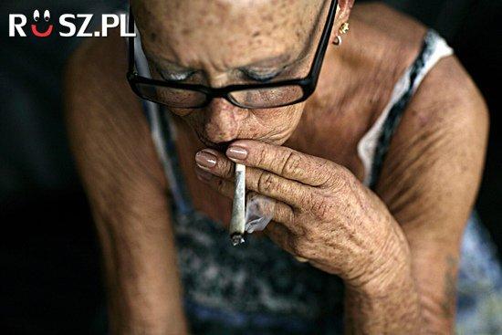 Ile bilionów papierosów produkuje się rocznie?