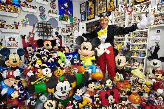 Ile tysięcy gadżetów z Myszką Miki może mieć ta fanka?