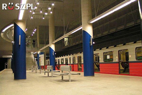Ile lat trwała budowa 1 linii warszawskiego metra ?