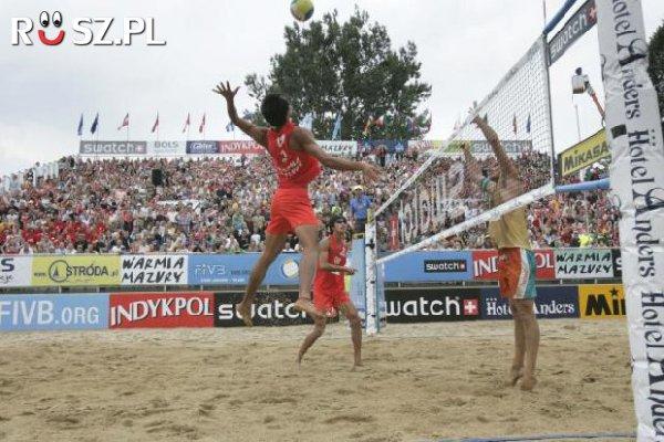 Ile ton piasku potrzeba na boisko do siatkówki plażowej ?