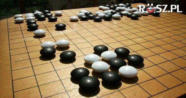"""Ile osób może zagrać ze sobą w """"GO"""""""