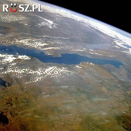 Ile km długości ma jezioro Tanganika?