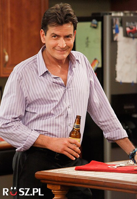 Ile lat ma Charlie Sheen?