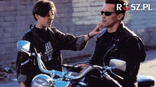 """Ile słów wypowiedział w filmie """"Terminator 2: Dzień sądu"""" Arnold Schwarzenegger ?"""