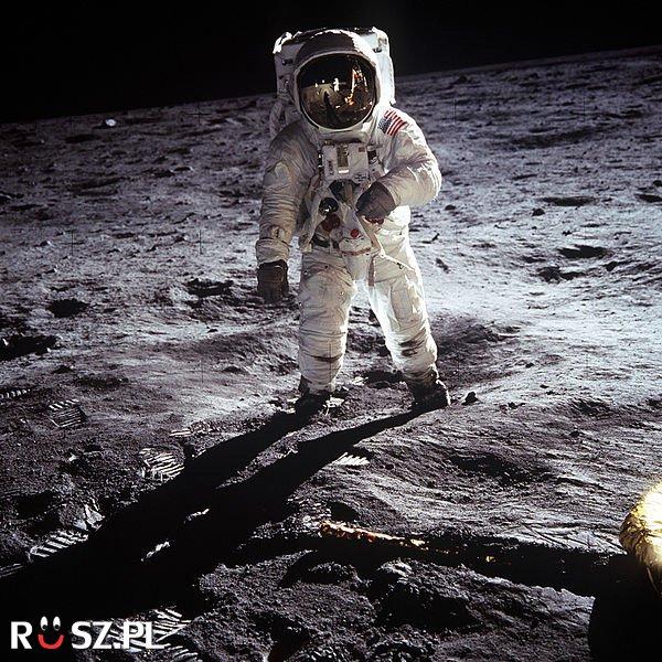 W którym roku człowiek wylądował na Księżycu?