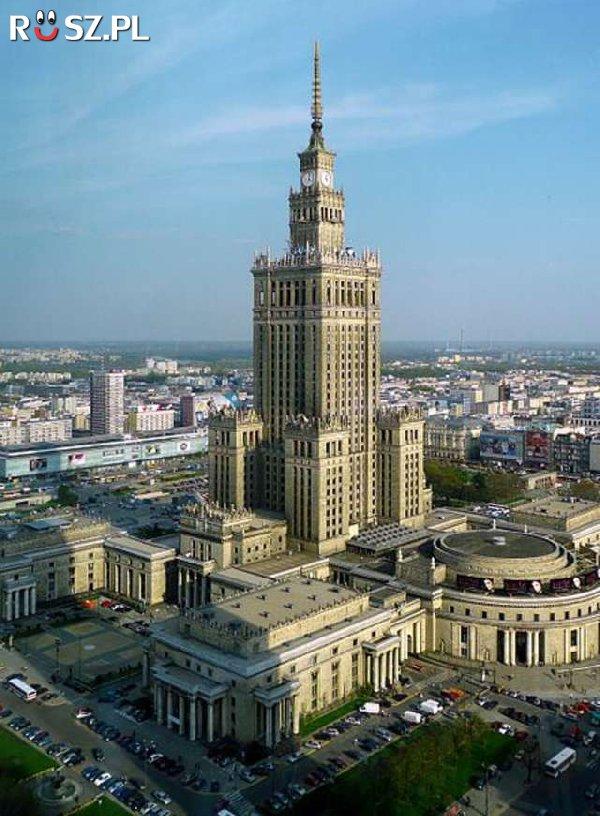 Ile metrów wysokości ma Pałac Kultury i Nauki?