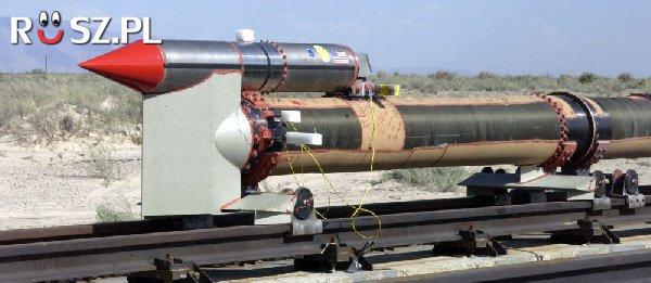 Jaki jest rekord prędkości sań rakietowych ?