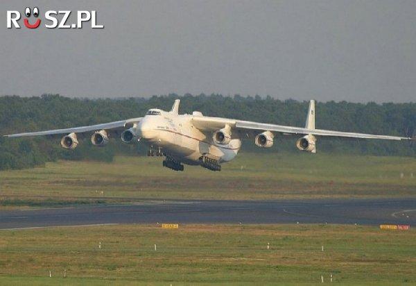 Jaka jest całkowita masa najcięższego samolotu na świecie?