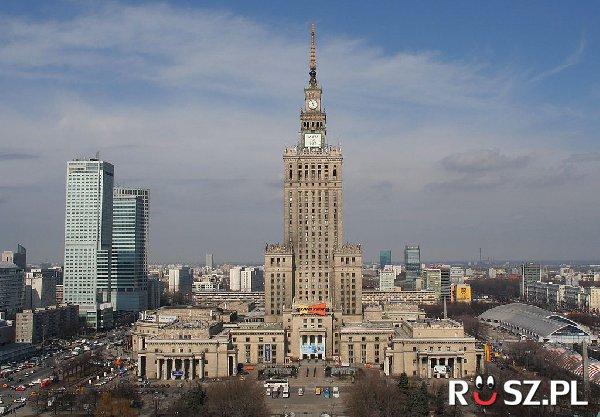 Ilu cegieł użyto do budowy Pałacu Kultury w Warszawie ?