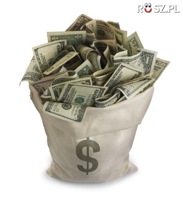 Jaki % światowych pieniędzy jest w formie gotówki ?