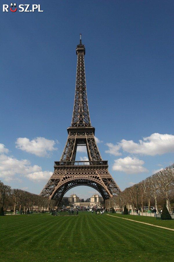 Ile ton waży wieża Eiffla?