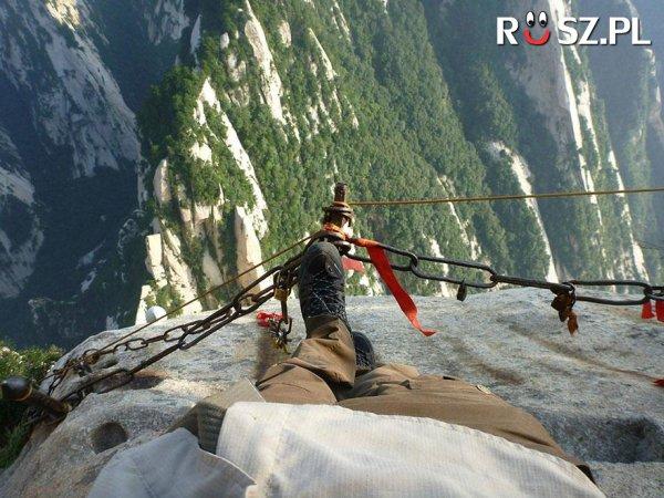Ile ofiar pochłania rocznie wspinaczka na górę Hua Shan?