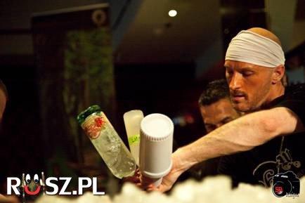 Ile drinków robi w minutę najszybszy barman 2013 roku?